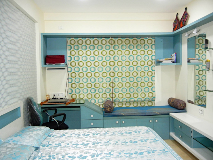 3BHK apartment Modern style bedroom by Interiors By Suniti Modern