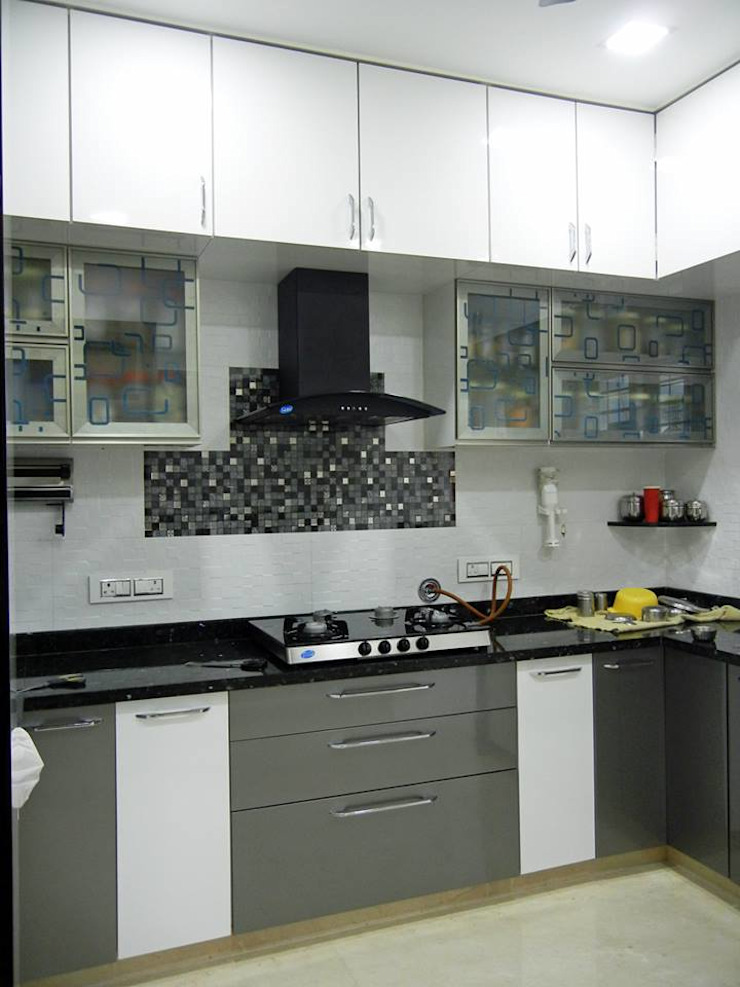 3BHK apartment Modern kitchen by Interiors By Suniti Modern