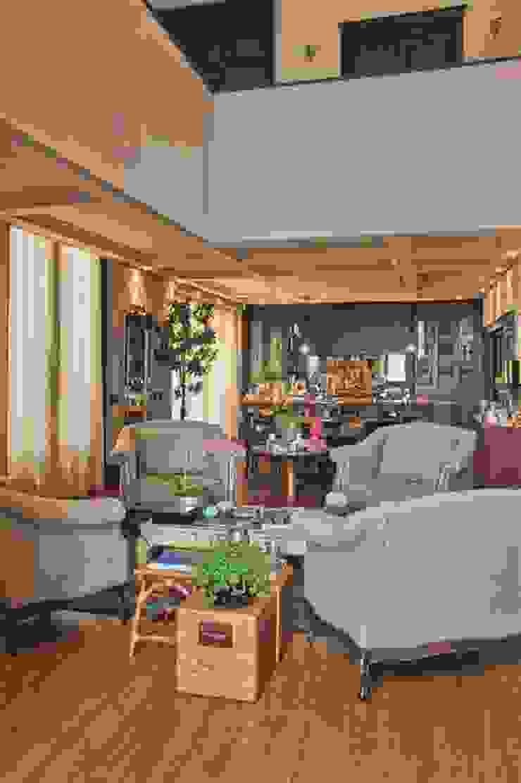 Residência Quinta do Golfe Salas de estar mediterrâneas por FERNANDO ROMA . estudioROMA Mediterrâneo