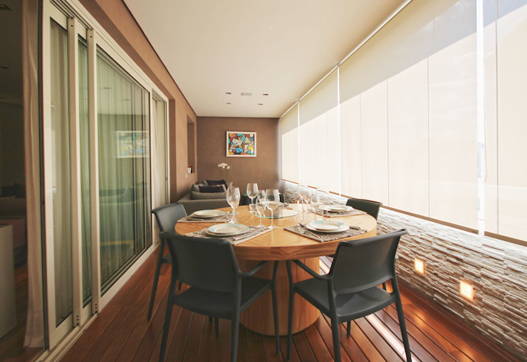 Apartamento Itaim Varandas, alpendres e terraços modernos por Officina44 Moderno