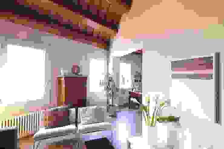 Il soggiorno Soggiorno moderno di cristina mecatti interior design Moderno