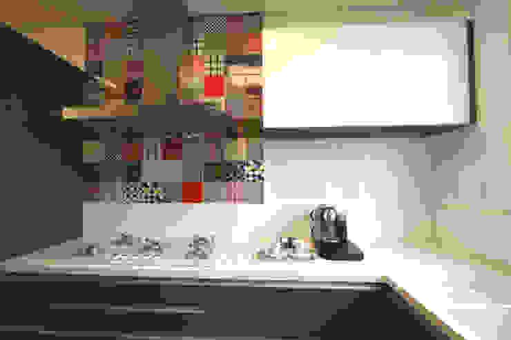 Apartamento Itaim Cozinhas modernas por Officina44 Moderno