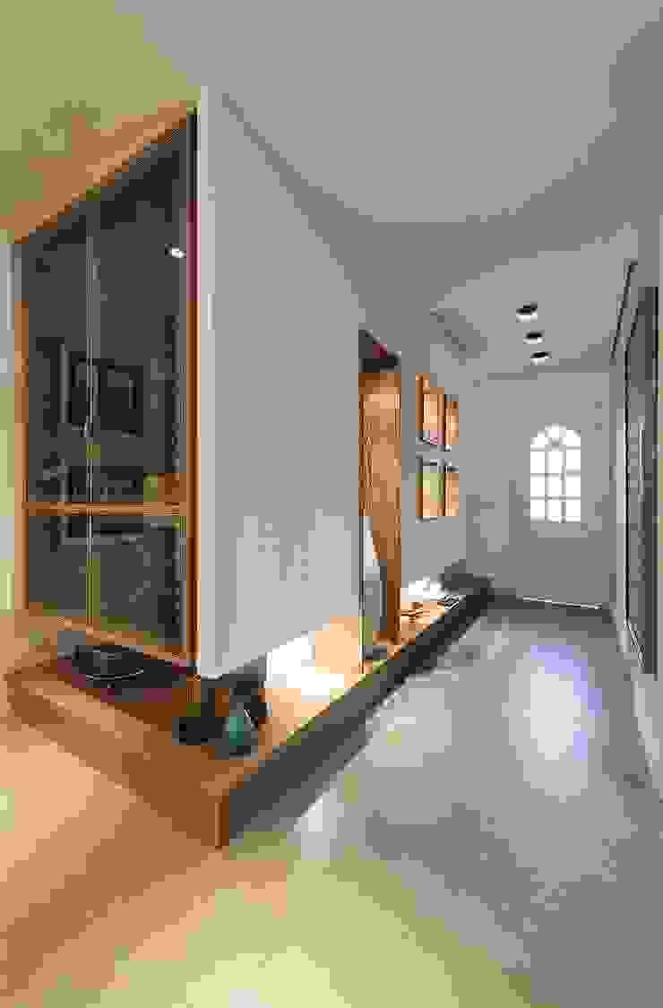 Hall de entrada, Home, Living e Gourmet Adegas modernas por Andréa Carvalho Arquitetos Associados Moderno