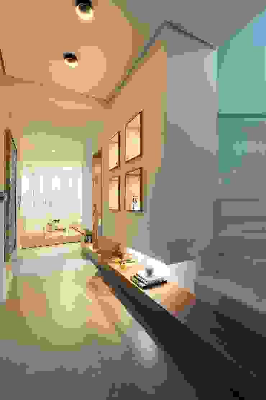 Hall de entrada, Home, Living e Gourmet Corredores, halls e escadas modernos por Andréa Carvalho Arquitetos Associados Moderno