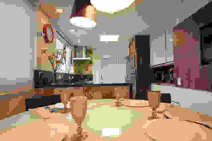 Apartamento em Pinheiros Cozinhas modernas por Officina44 Moderno