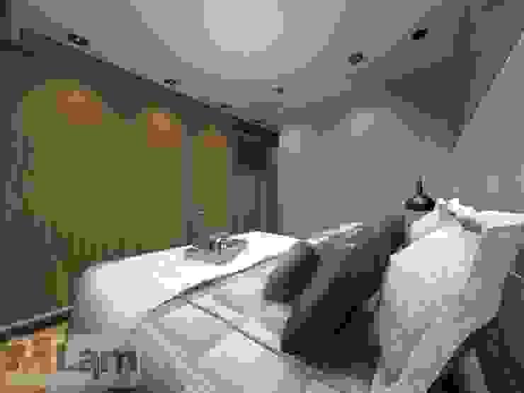 Dormitorios de estilo moderno de LAM Arquitetura | Interiores Moderno