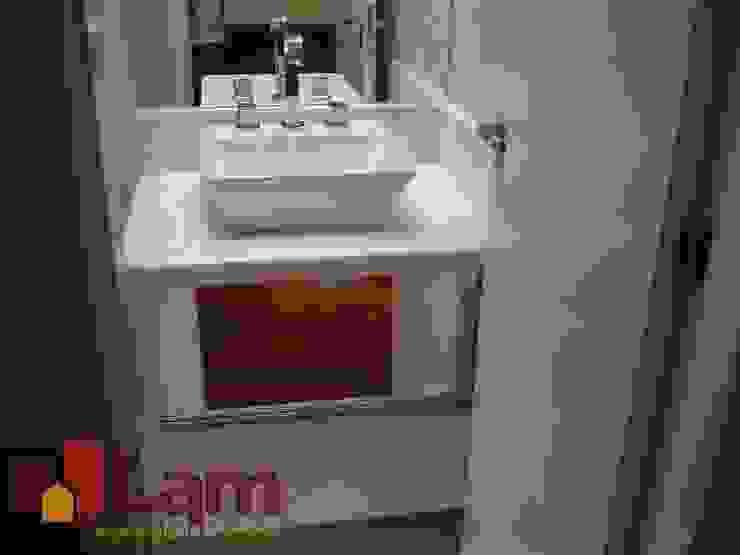 Baños de estilo moderno de LAM Arquitetura | Interiores Moderno