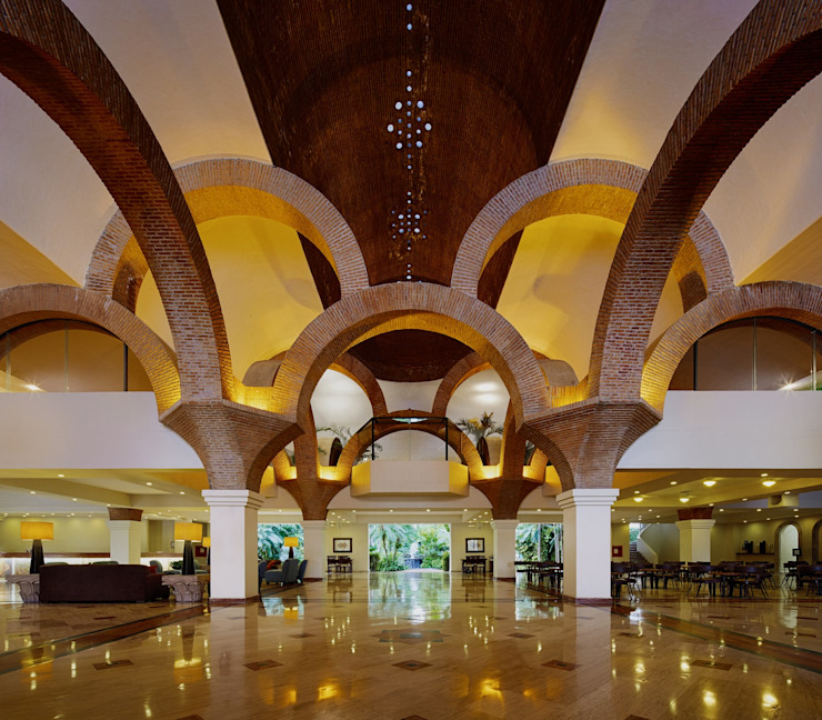 Eclectic corridor, hallway & stairs by MC Design Eclectic Bricks