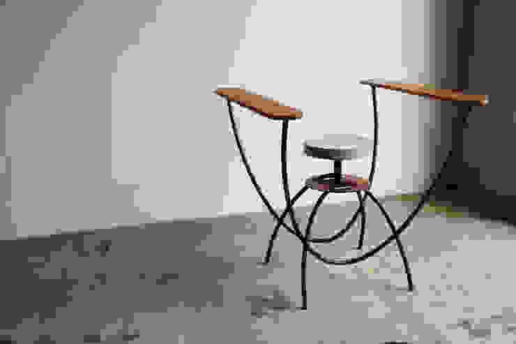 U Stool: hamajima takuyaが手掛けた折衷的なです。,オリジナル