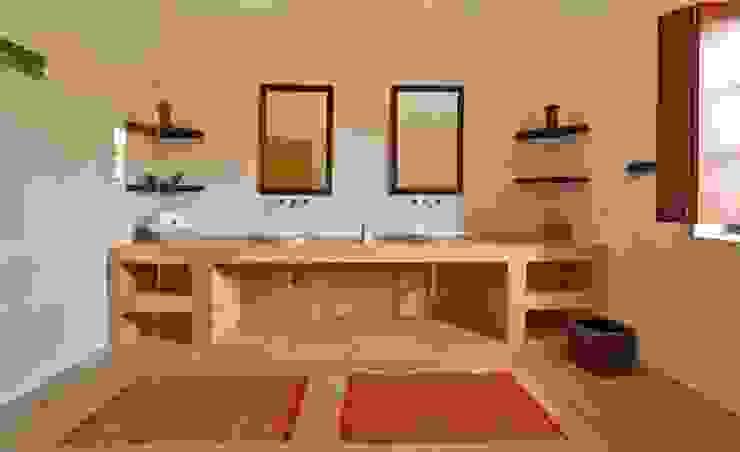 Yassmine Modern bathroom by Rita Mody Joshi & Associates Modern