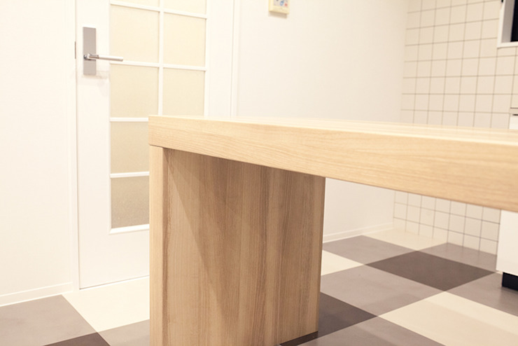 【Renotta】CHECKMATE LIFE: 株式会社クラスコデザインスタジオが手掛けた現代のです。,モダン