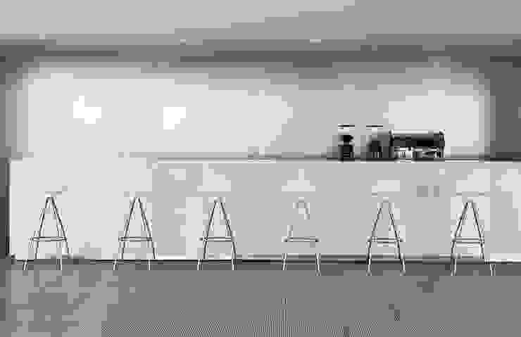 Bancos Onda de Design Within Reach Mexico Moderno Plástico