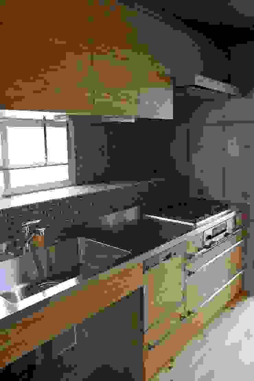 キッチン: 仁設計が手掛けたクラシックです。,クラシック