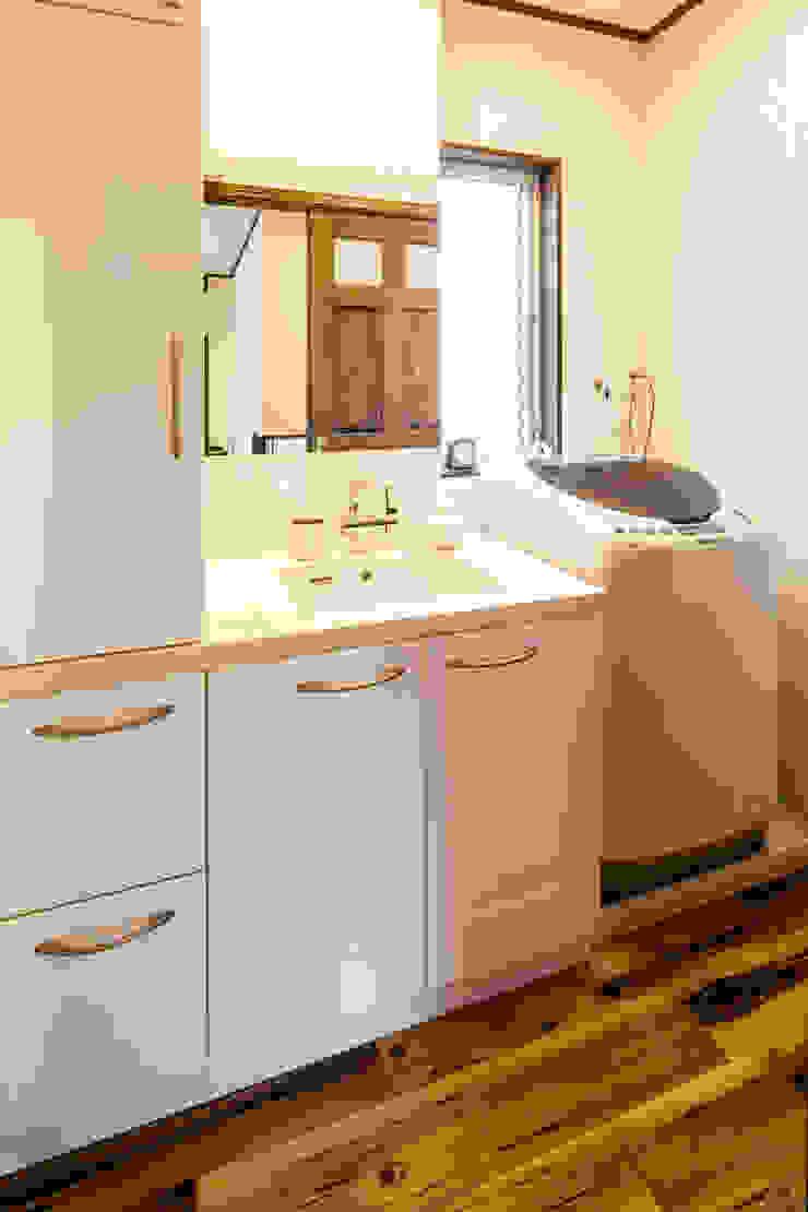 明るく温かい空間 オリジナルスタイルの お風呂 の 株式会社コリーナ オリジナル
