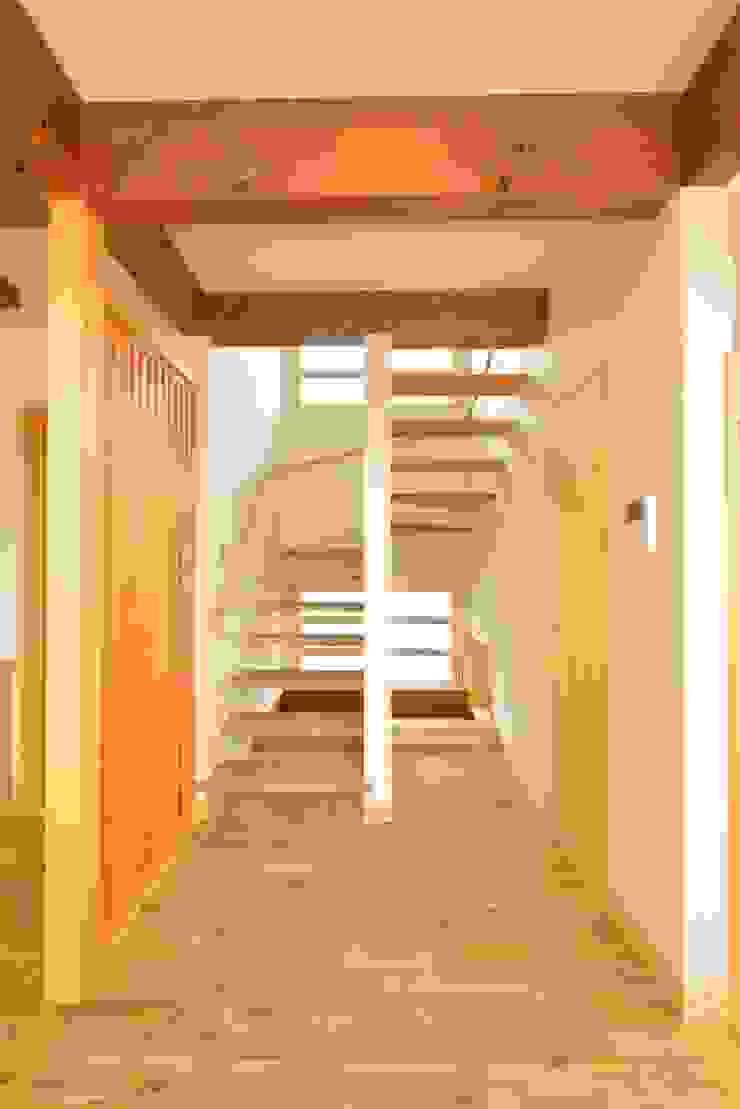 大きな吹き抜けの家 の ISO設計室