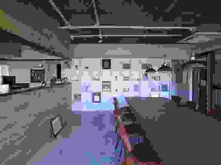 「オカキン」赤坂オフィス: office echoが手掛けた折衷的なです。,オリジナル