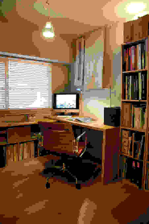 Matsumicho House オリジナルデザインの 書斎 の イロリイデザイン オリジナル