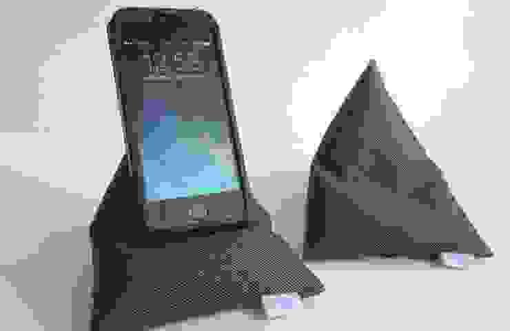 triipi® callme, almofada para telemóvel por triipi® everything pillow Moderno