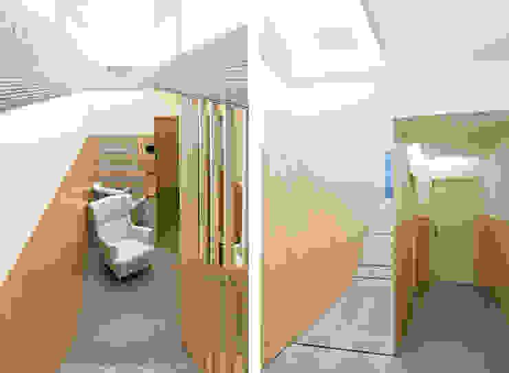Centro de Estética Carli - Remodelação Espaços comerciais minimalistas por A2OFFICE Minimalista