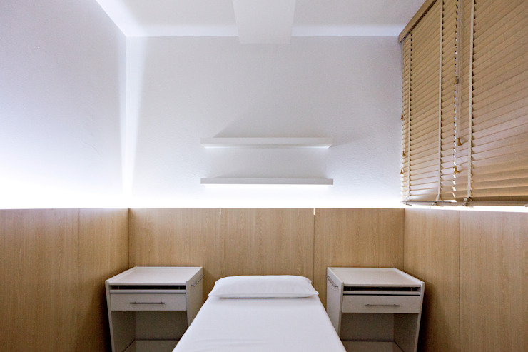 Centro de Estética Carli – Remodelação Espaços comerciais minimalistas por A2OFFICE Minimalista