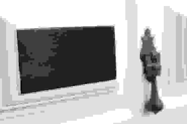 Armário Branco & Santo por AKTO - Arts & Krafts Technologies Rústico Madeira maciça Multicolor