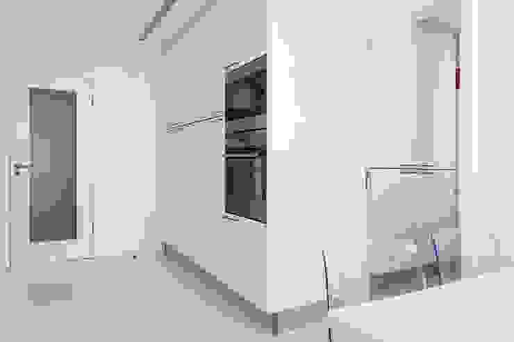 Cucina moderna di Ponto Cúbico Moderno
