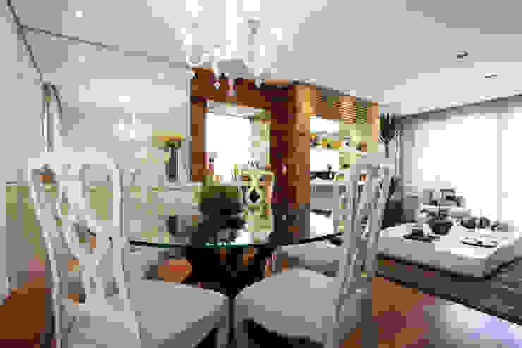 Apartamento Pinheiros 2 Salas de jantar modernas por Officina44 Moderno