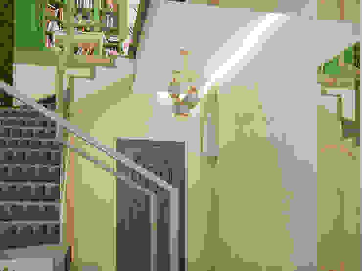 Восточные Сказки Коридор, прихожая и лестница в стиле минимализм от Tatiana Zaitseva Design Studio Минимализм