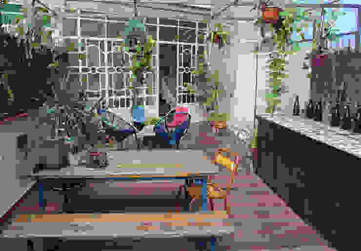 detalle de terraza homify Balcones y terrazas de estilo mediterráneo