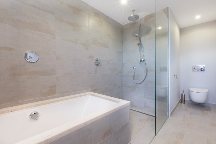 Bathroom by ISLABAU constructora,
