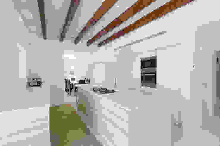 Dapur Gaya Rustic Oleh ISLABAU constructora Rustic