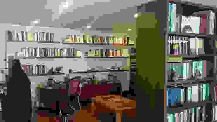 casa Beatriz Castro Salas de estilo clásico de Arquitectura plus Clásico