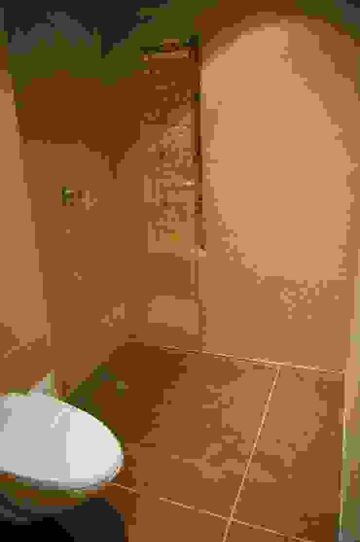 Ducha Baño Baños de estilo clásico de MARECO DESIGN S.A.S Clásico