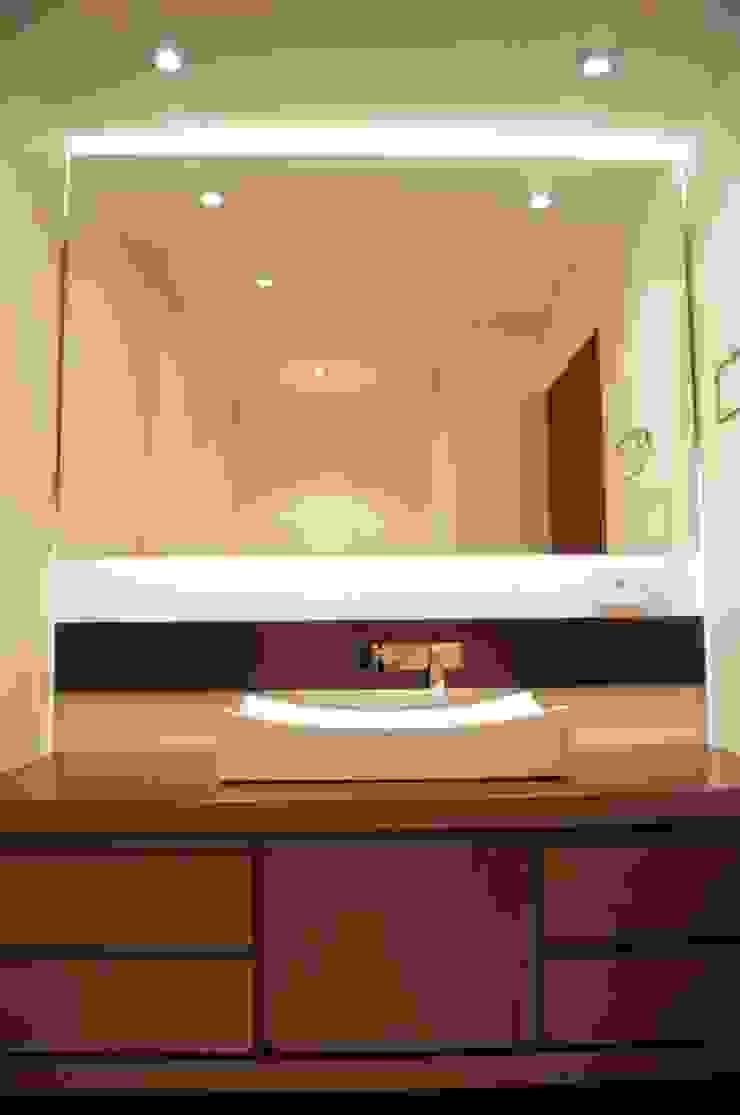 Baño Social. Baños de estilo clásico de MARECO DESIGN S.A.S Clásico