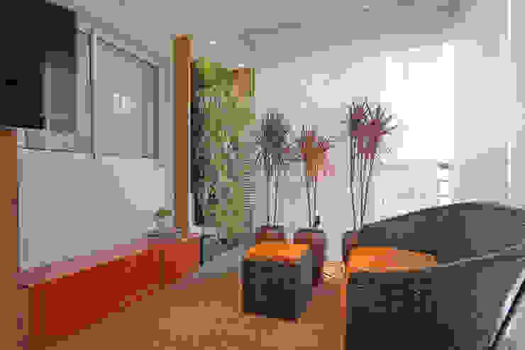 Balcones y terrazas de estilo rústico de Officina44 Rústico