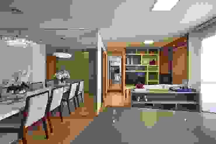 apê rf Cozinhas modernas por grupo pr   arquitetura e design Moderno