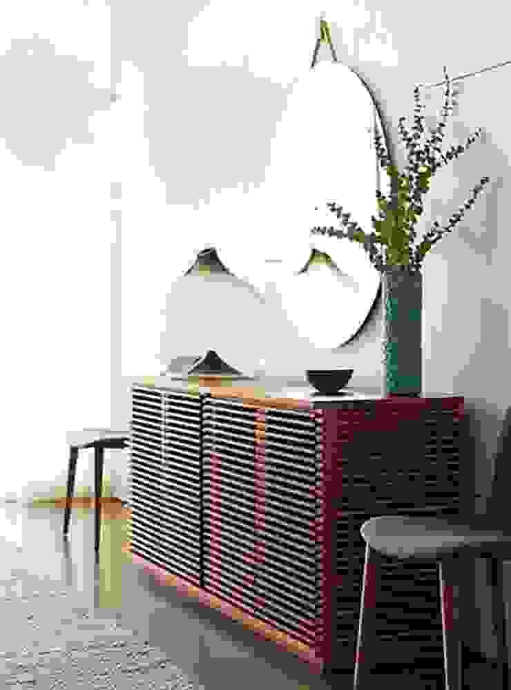 Credenza LINE diseñada por Nathan Yong para DWR. de Design Within Reach Mexico Moderno Madera Acabado en madera