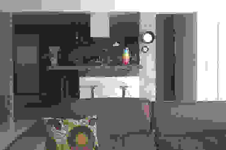 Sala de estar - ap varandas Salas de estar modernas por omnibus arquitetura Moderno Algodão Vermelho