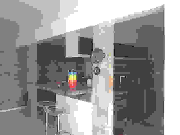 Cozinha integrada - ap varandas Cozinhas modernas por omnibus arquitetura Moderno Granito