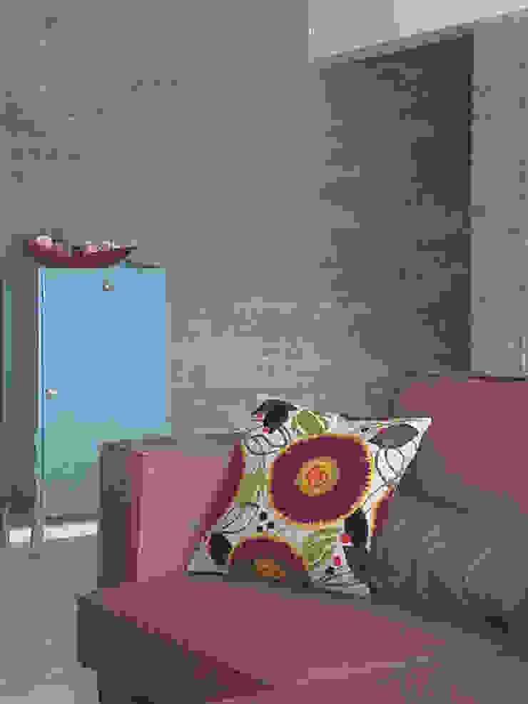 Cores e angulos - ap Varandas Salas de estar modernas por omnibus arquitetura Moderno Algodão Vermelho