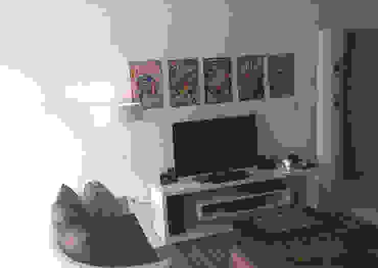 O cantinho do cinema - ap varandas Salas multimídia modernas por omnibus arquitetura Moderno MDF