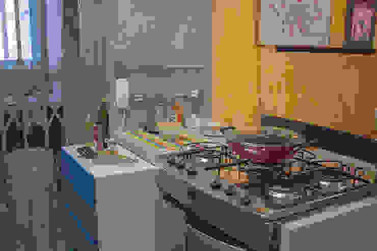 Cocinas modernas de omnibus arquitetura Moderno Tablero DM