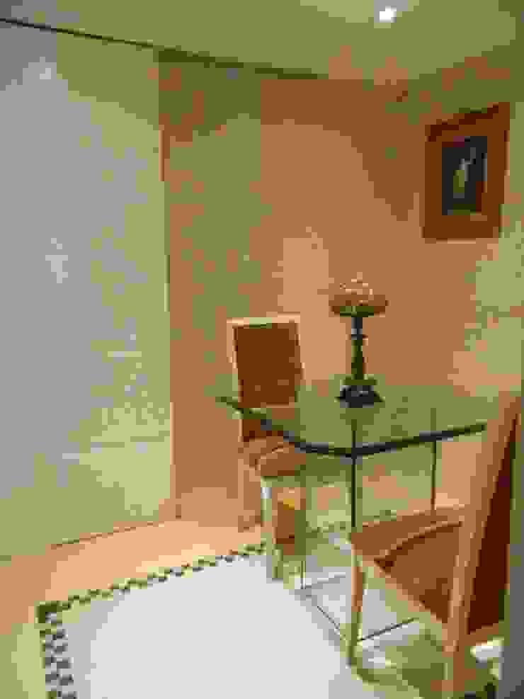 Sala de Almoço Salas de jantar clássicas por mr maria regina de mello vianna arquitetura e interiores Clássico