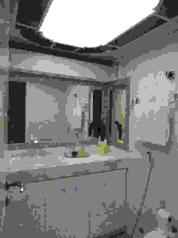 Banheiro Social Banheiros clássicos por mr maria regina de mello vianna arquitetura e interiores Clássico
