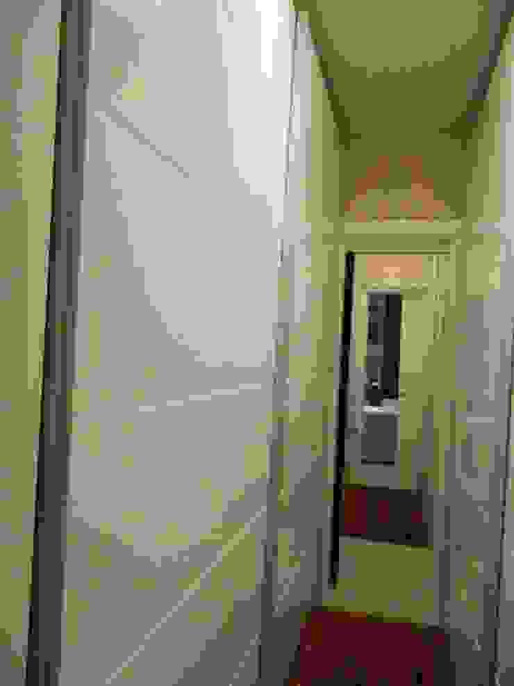 Closet Closets por mr maria regina de mello vianna arquitetura e interiores Clássico