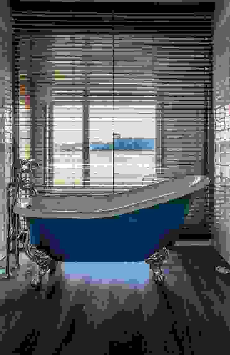 """<q class=""""-first"""">Pier 67</q> Casas de banho modernas por Arpadór, Arquitectos e Associados, lda Moderno"""