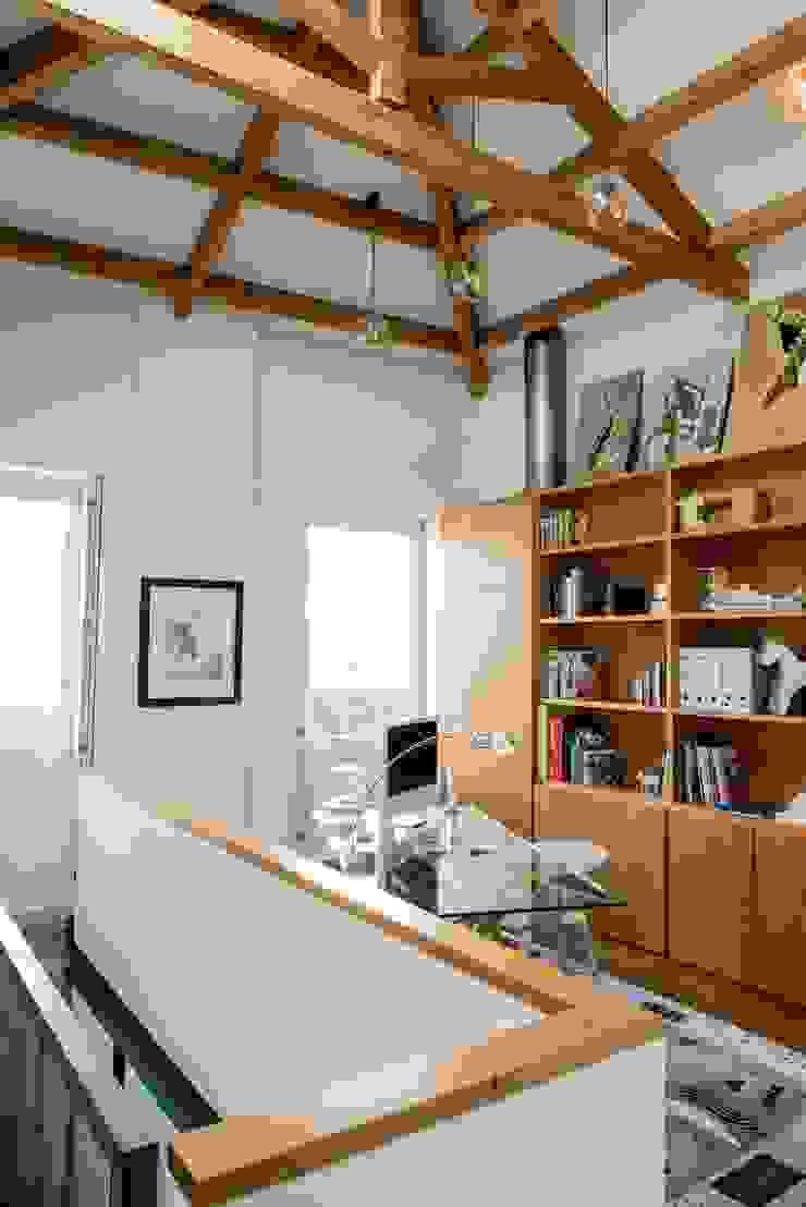 """<q class=""""-first"""">Pier 67</q> Escritórios modernos por Arpadór, Arquitectos e Associados, lda Moderno"""