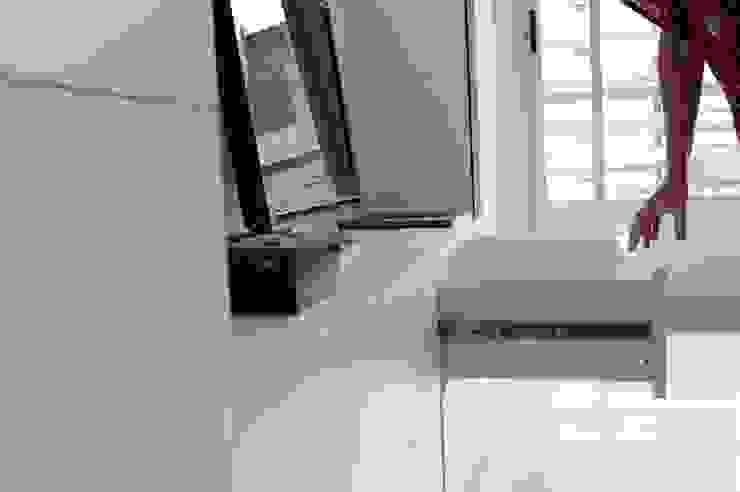 Placa para TV + cajones de guardado. de MINBAI Moderno Madera Acabado en madera