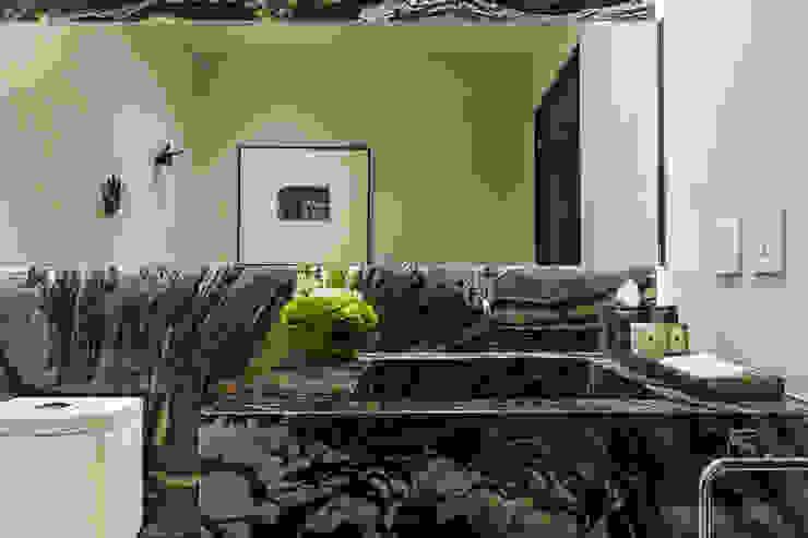 DEPARTAMENTO EN LOMAS Baños clásicos de HO arquitectura de interiores Clásico
