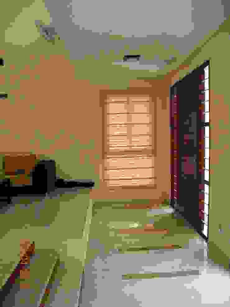 Prashanth's Residence Modern living room by ICON design studio Modern